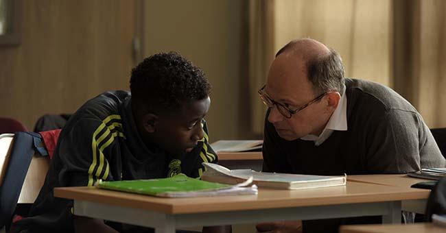 Denis Podalydès et Abdoulaye Diallo dans les grands esprits - Ph. Michael Crotto