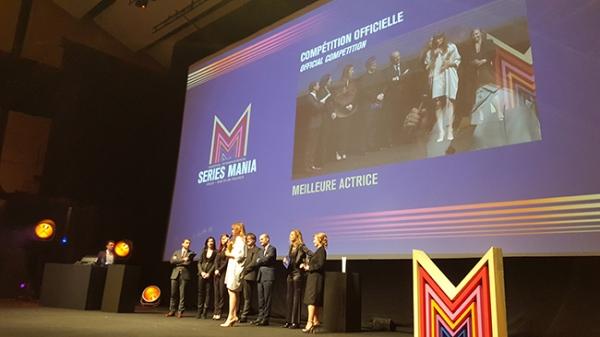 Marina Hands recoit prix_meilleure actrice